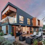 Mẫu nhà thép dân dụng hình hộp được trang trí ngoại thất hoành tráng giúp gia tăng tính thẩm mỹ cho tổng thể kiến trúc ngôi nhà của bạn