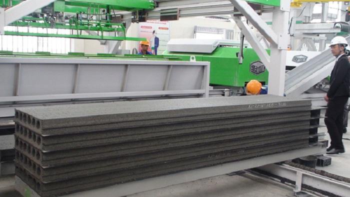 Hình ảnh sản xuất sàn Panel tại nhà máy