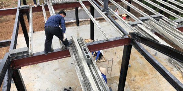 Nhà khung thép kết hợp với sàn bê tông siêu nhẹ