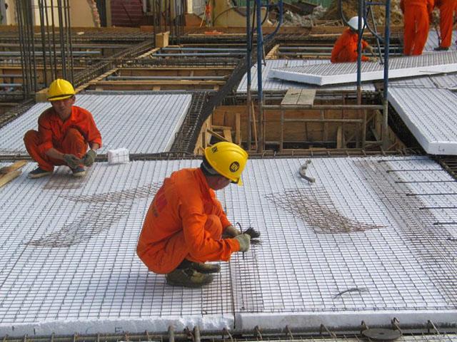 panel còn giúp tiết kiệm chi phí vận chuyển và xây dựng